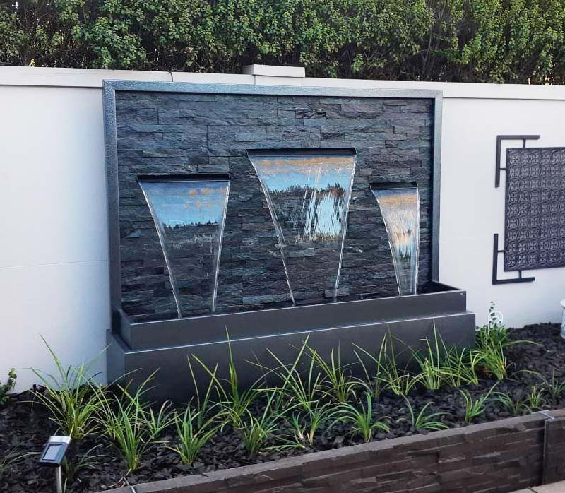 Crave-Designs-water-feature-stacked-stone-01